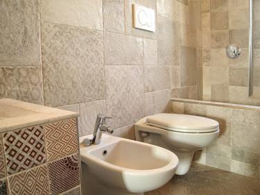 Rivestimenti bagno personalizzati top level marble