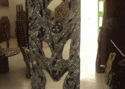 Marble sculpture with fossils